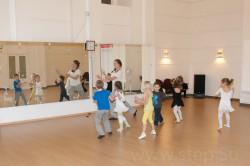 Танцующие дети - танцы для самых маленьких (для детей от 4 лет)